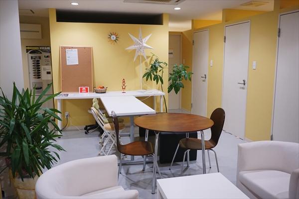 個室オフィスや会議室などのプライベート空間が揃う、「東津留オフィス」